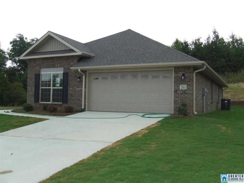 Property for sale at 261 Crisfield Cir, Alabaster,  Alabama 35007