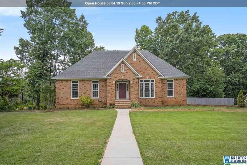 Property for sale at 1038 Crest Rd, Leeds,  Alabama 35094