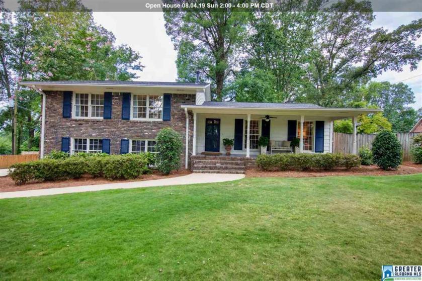 Property for sale at 900 Granbury Rd, Vestavia Hills,  Alabama 35216