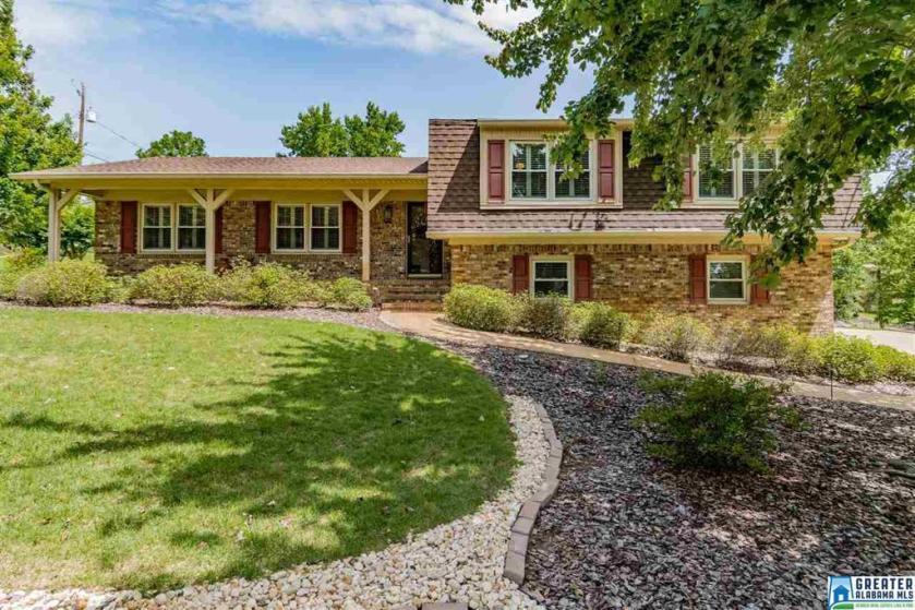 Property for sale at 2550 Jamestown Rd, Hoover,  Alabama 35226