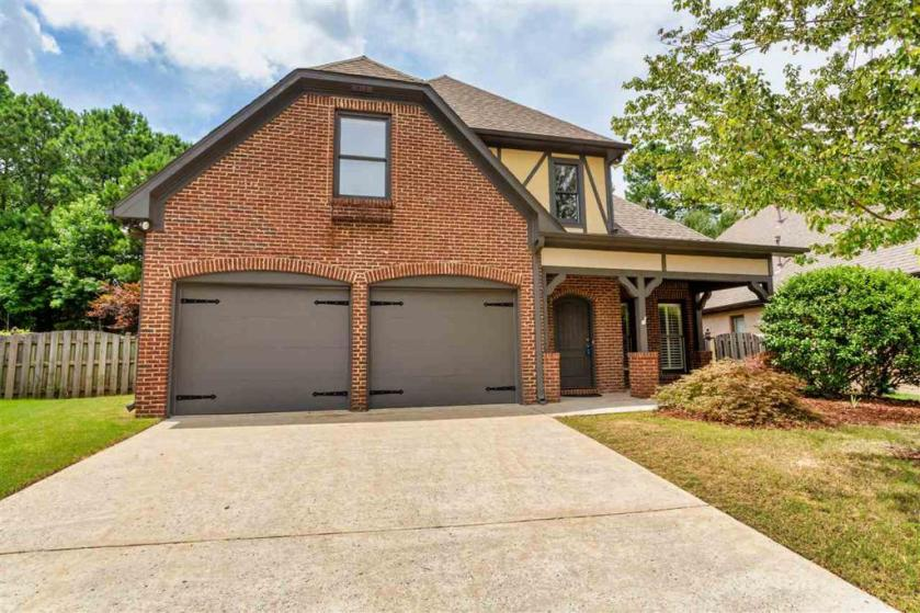 Property for sale at 2319 Abbeyglen Cir, Hoover,  Alabama 35226