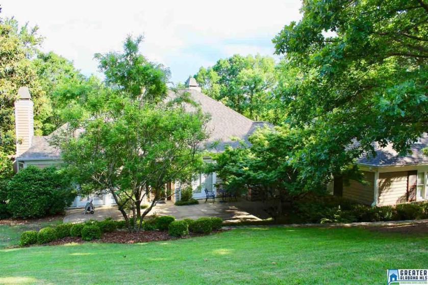 Property for sale at 5129 Clubridge Dr W, Vestavia Hills,  Alabama 35242