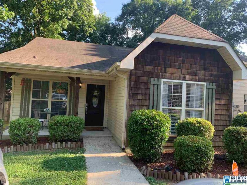 Property for sale at 9495 Brook Forest Cir, Helena,  Alabama 35080
