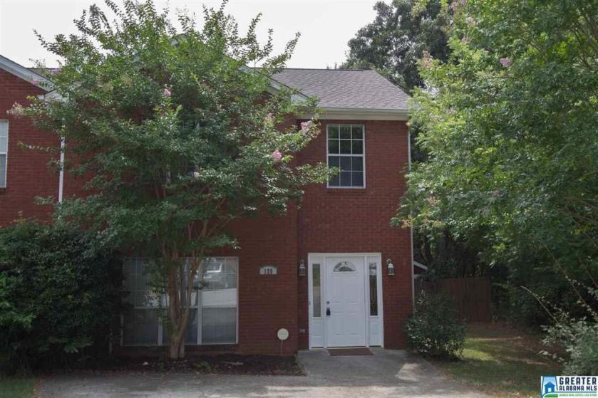 Property for sale at 125 Canyon Trl, Pelham,  Alabama 35124