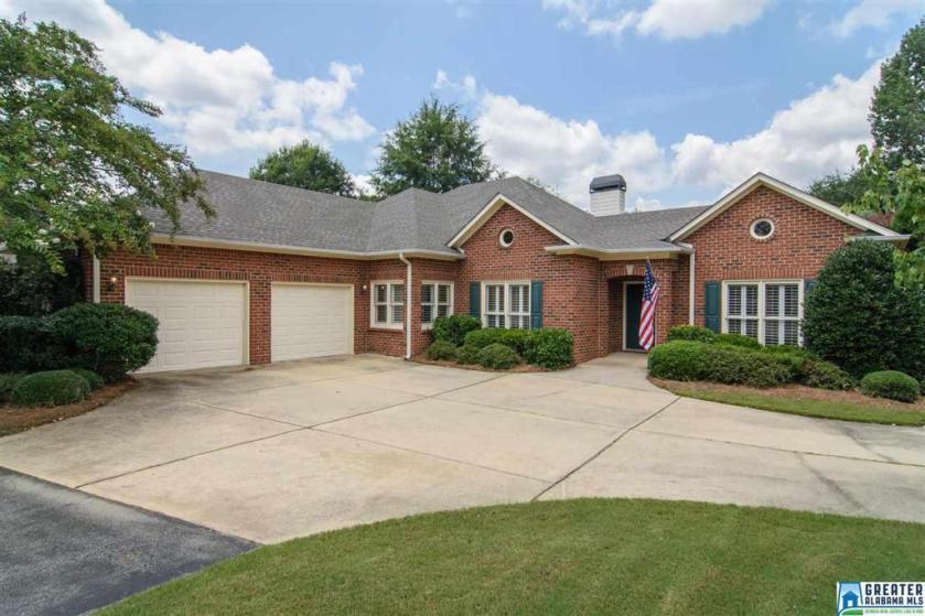 Property for sale at 922 Caledonian Way, Vestavia Hills,  Alabama 35242