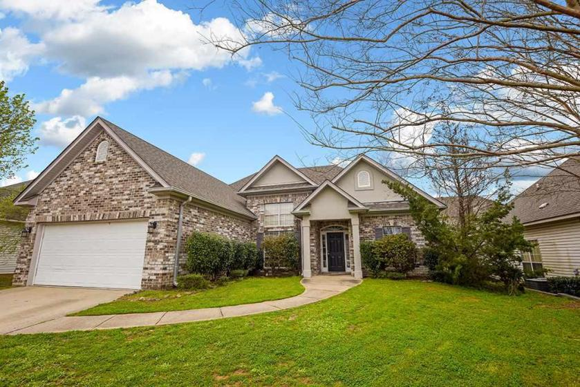 Property for sale at 619 Old Cahaba Dr, Helena,  Alabama 35080