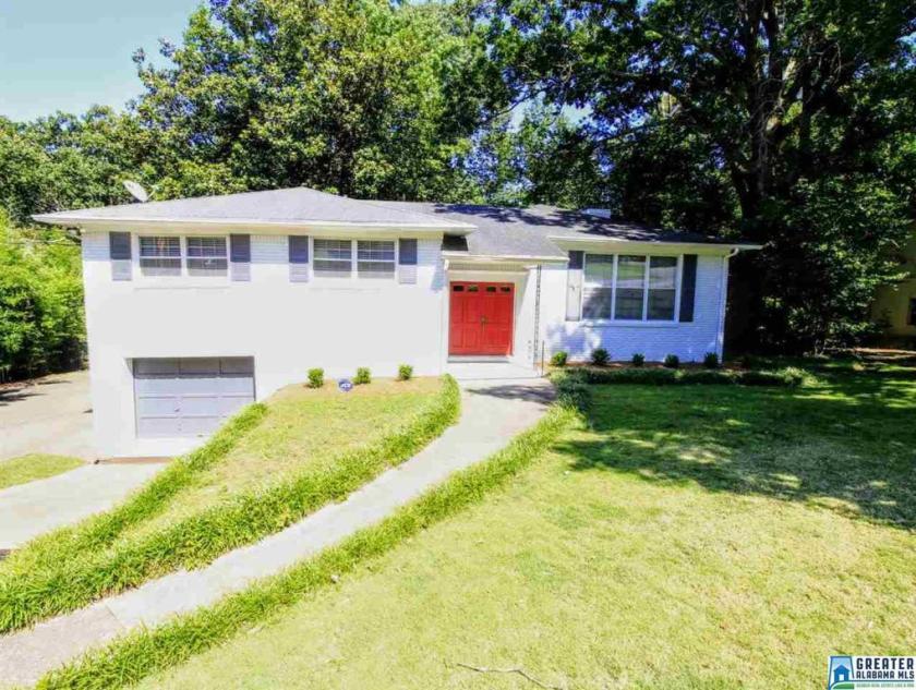 Property for sale at 2373 Hackberry Ln, Hoover,  Alabama 35226
