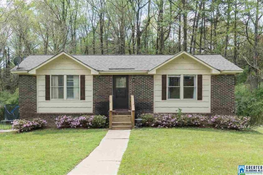 Property for sale at 5056 Oak Leaf Cir, Adamsville,  Alabama 35005