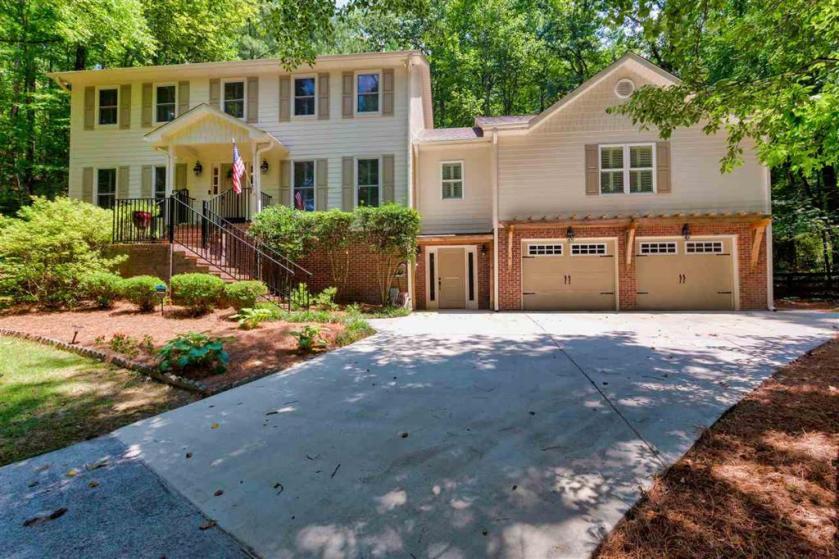 Property for sale at 3036 Panorama Trl, Vestavia Hills,  Alabama 35216