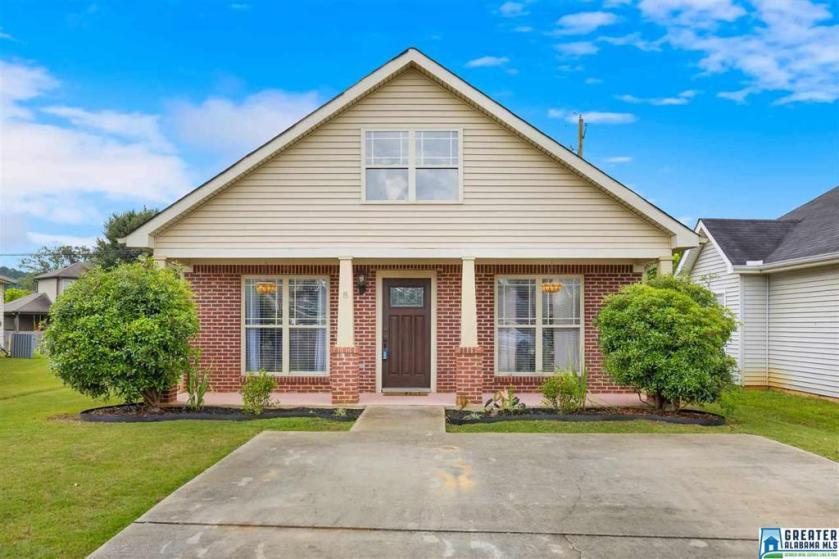 Property for sale at 133 Creekstone Trl, Calera,  Alabama 35040
