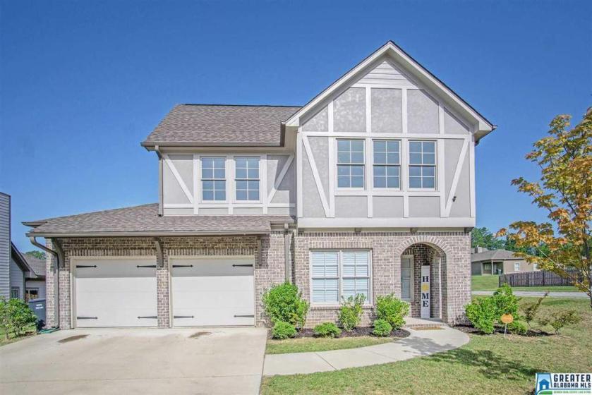 Property for sale at 1072 Garnet Dr, Calera,  Alabama 35040