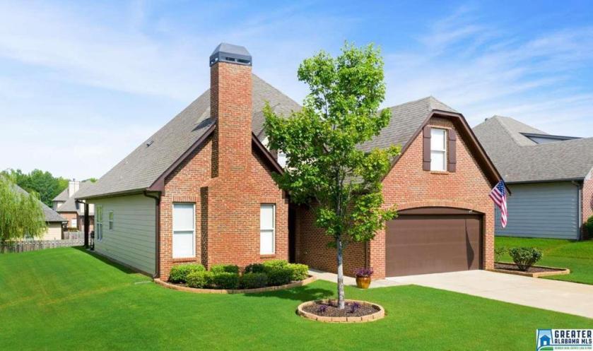 Property for sale at 1027 Maryanna Rd, Calera,  Alabama 35040