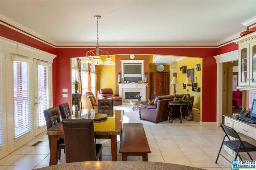 Property for sale at 5135 Lake Crest Cir, Hoover,  Alabama 35226