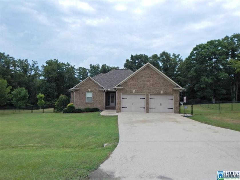Property for sale at 122 Fox Trot Cir, Blountsville,  Alabama 35031