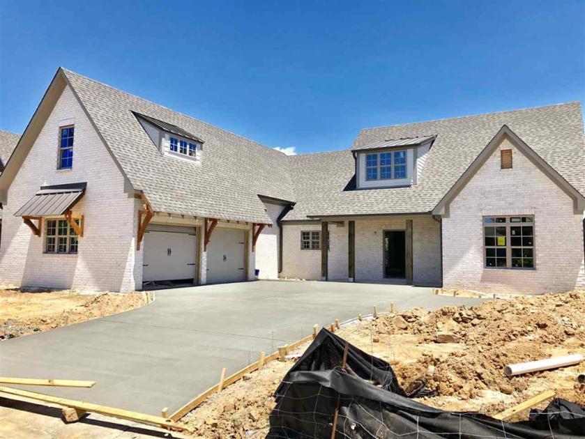 Property for sale at 411 Oxford Way, Pelham,  Alabama 35124