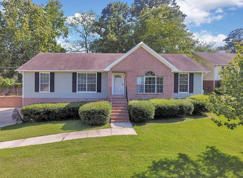 Property for sale at 4504 Jacob Cir, Center Point,  Alabama 35215