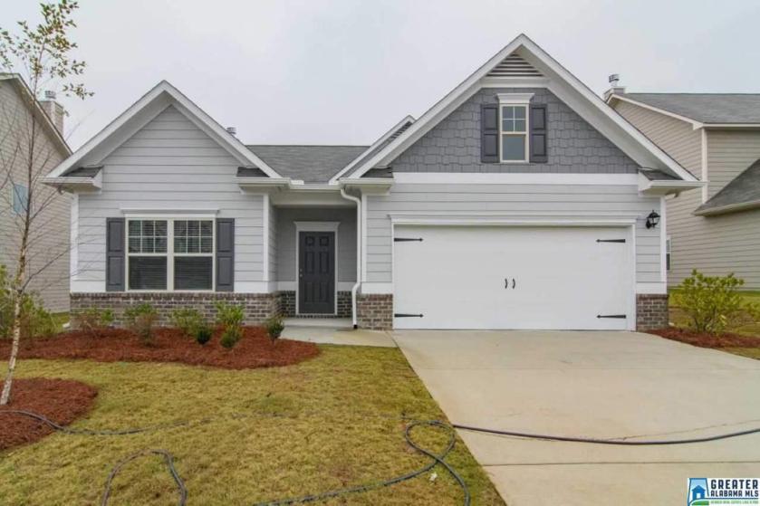 Property for sale at 1369 Kensington Blvd, Calera,  Alabama 35040