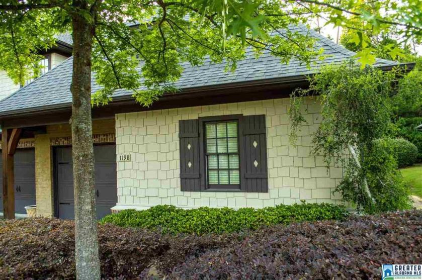 Property for sale at 1198 Inverness Cove Way, Hoover,  Alabama 35242
