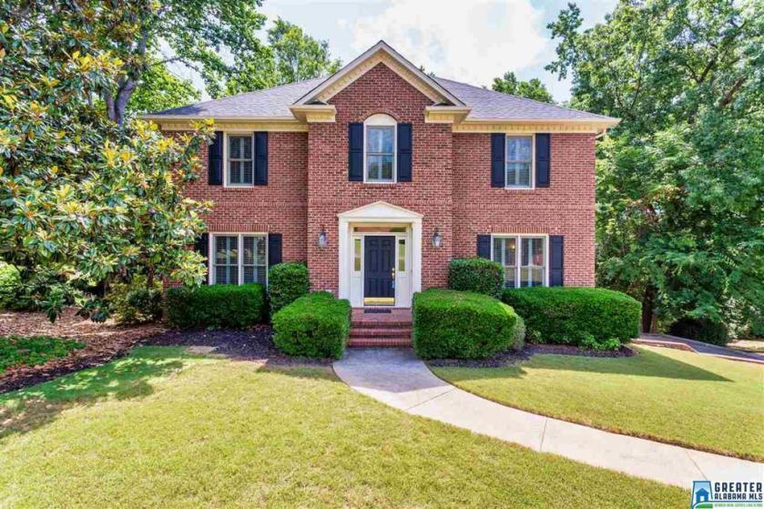 Property for sale at 2112 Cahaba Crest Dr, Hoover,  Alabama 35242