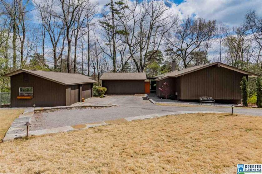 Property for sale at 209 Montclaire Cir, Vestavia Hills,  Alabama 35216