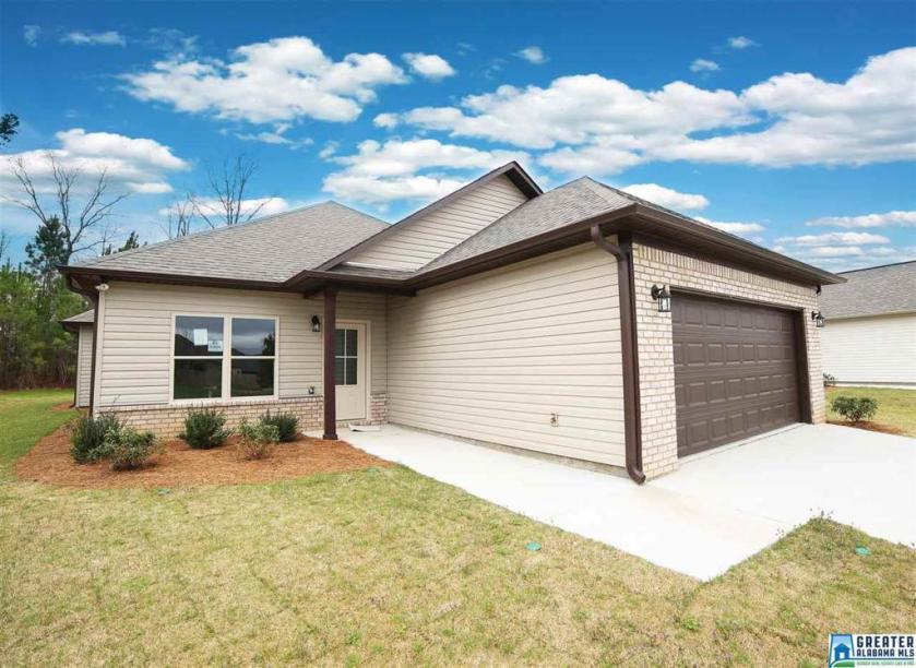 Property for sale at 141 Shiloh Creek Dr, Calera,  Alabama 35040