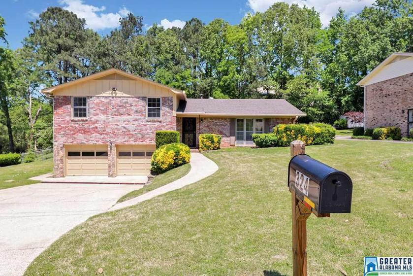 Property for sale at 324 36th Ave NE, Center Point,  Alabama 35215