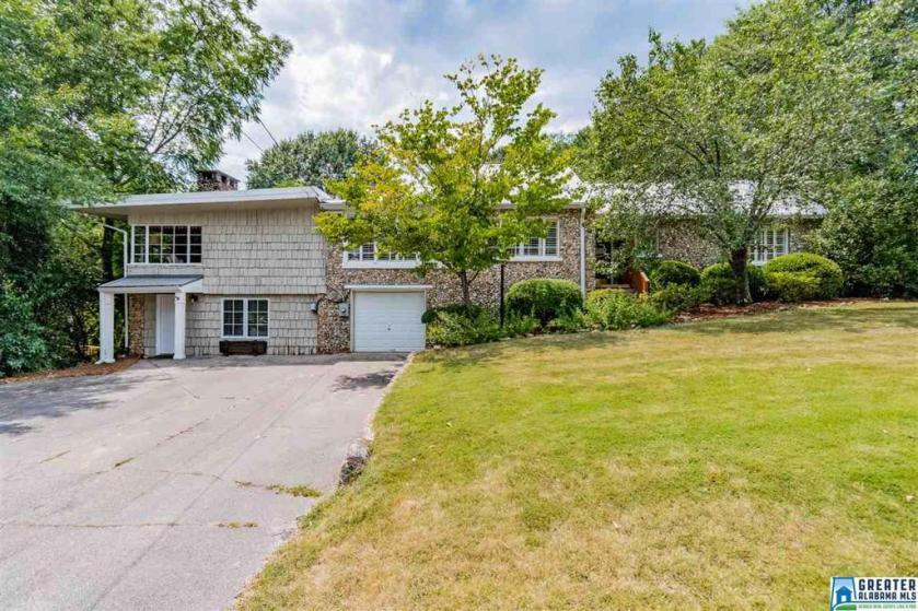 Property for sale at 4112 N Cahaba Dr, Vestavia Hills,  Alabama 35243