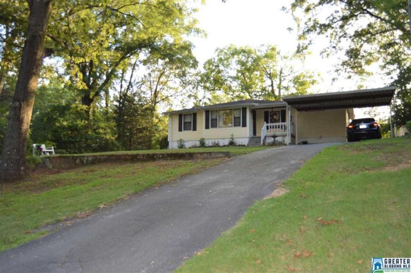 Property for sale at 40 2nd St NE, Graysville,  Alabama 35073