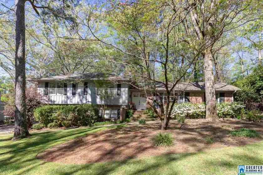 Property for sale at 3220 Winchester Rd, Hoover,  Alabama 35226