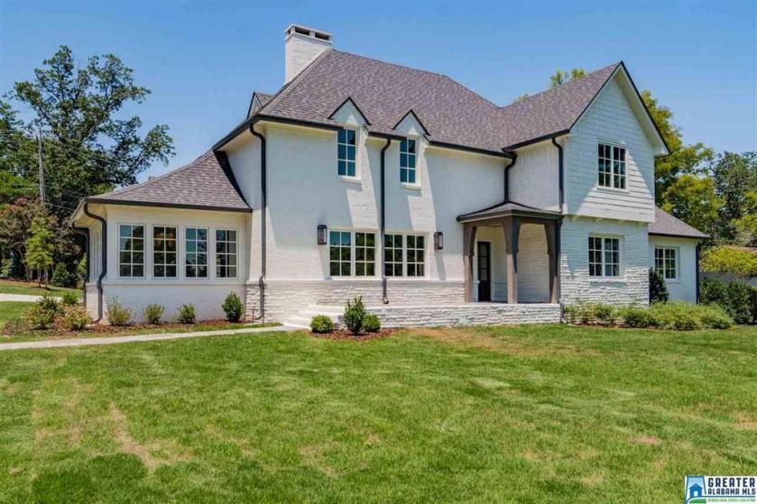Property for sale at 2500 Shades Crest Rd, Vestavia Hills,  Alabama 35216