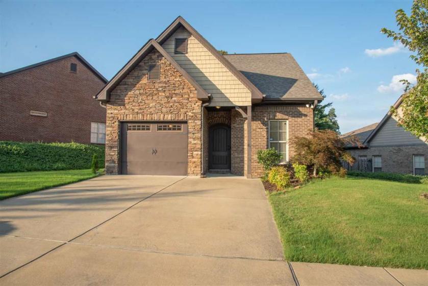 Property for sale at 305 Kingston Cir, Birmingham,  Alabama 35211