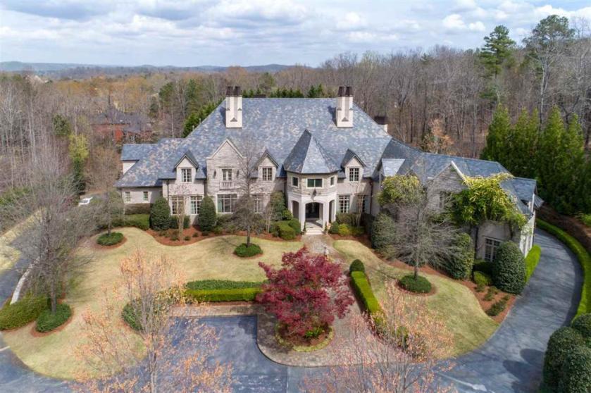 Property for sale at 4006 St Charles Dr, Hoover,  Alabama 35242