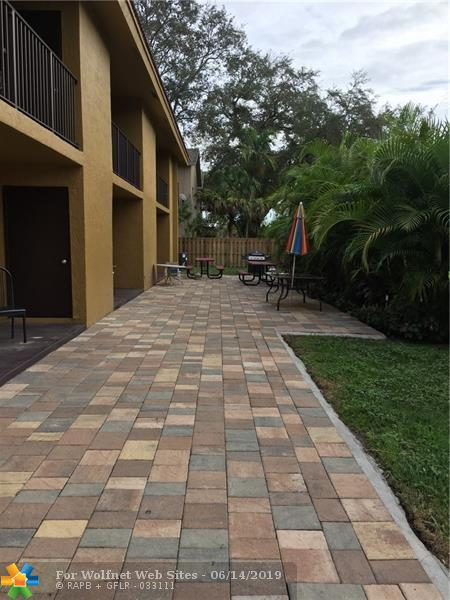 Property for sale at 8702 NW 38th Dr, Coral Springs,  Florida 33065