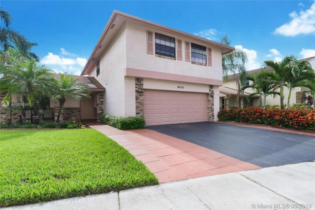 Property for sale at 900 Rock Hill Ave, Davie,  Florida 33325