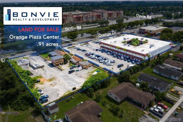 Property for sale at 6191 Orange Dr, Davie,  Florida 33314