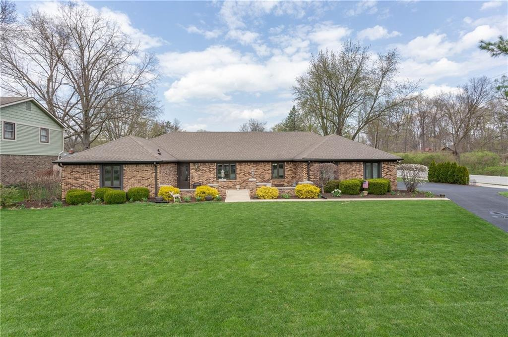 Property for sale at 4720 Brookshire Parkway, Carmel,  Indiana 46033