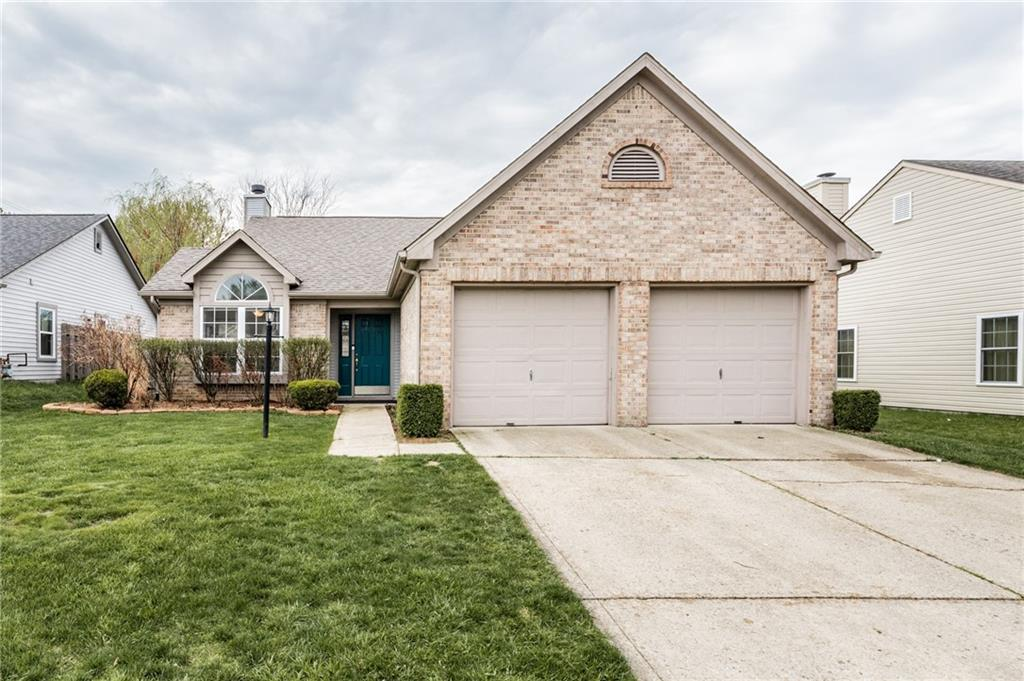 Property for sale at 3231 Village Park N Drive, Carmel,  Indiana 46033