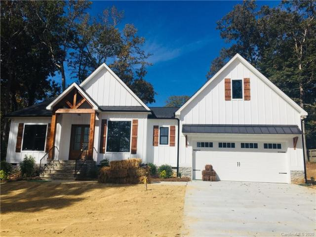 Property for sale at 93 Walnut Cove Lane, Mount Holly,  North Carolina 28120