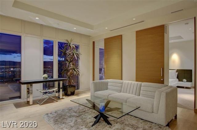 Property for sale at 3750 S LAS VEGAS BL Boulevard 3811, Las Vegas,  Nevada 89158