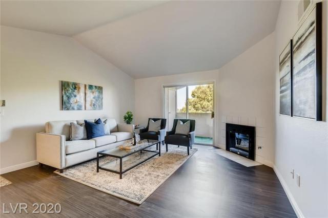 Property for sale at 231 W Horizon Ridge 1423, Henderson,  Nevada 89012