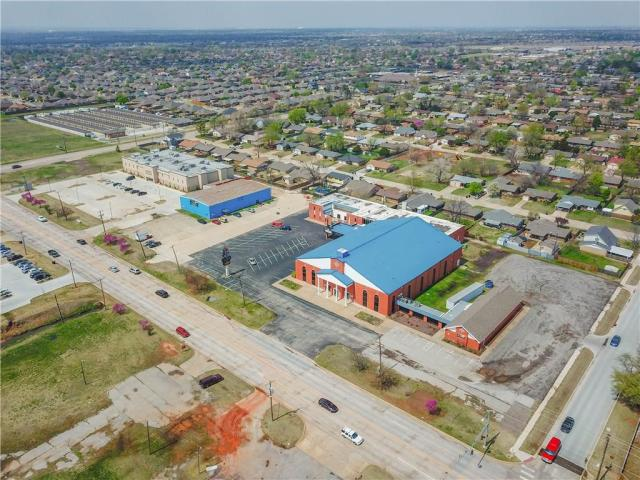 Property for sale at 1005 SW 4th Street B, Moore,  Oklahoma 73160