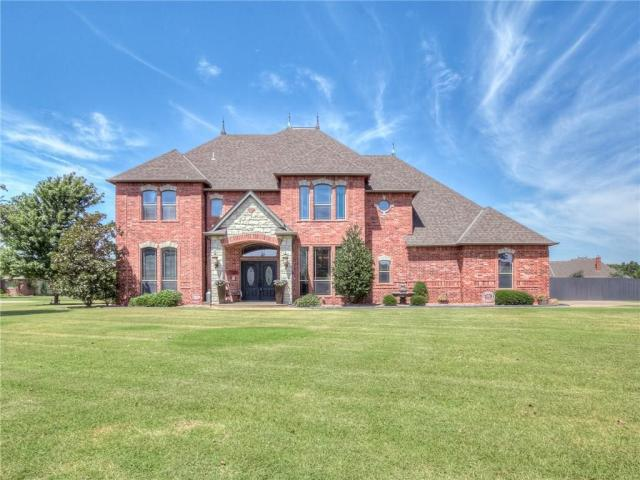Property for sale at 1301 N Tea Olive Way, Mustang,  Oklahoma 73064