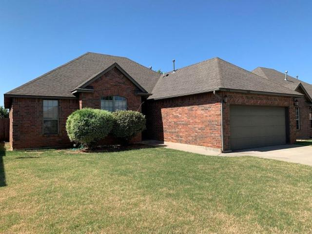 Property for sale at 608 E Linden Lane, Mustang,  Oklahoma 73064