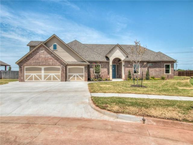 Property for sale at 2209 W Mickey Drive, Mustang,  Oklahoma 73064