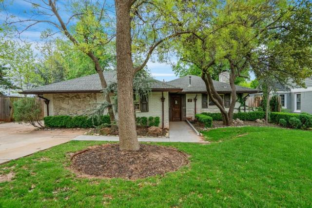 Property for sale at 1100 Bedford Drive, Nichols Hills,  Oklahoma 73116