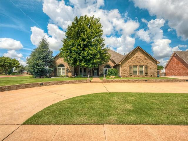 Property for sale at 1429 Spring Creek Drive, Yukon,  Oklahoma 73099