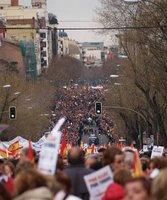 Buena foto de la manifestación. La de trucos que saben los fotógrafos para parecer que haya más gente