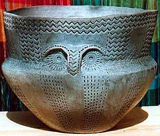 Ceramica preindoeuropenilor este un semn de maturitate, vechime, pace sau armonie