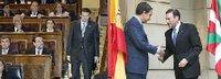 El presidente del Gobierno Vasco, Juan José Ibarretxe junto con el l�der del Gobierno español, José luis Rodr�guez Zapatero