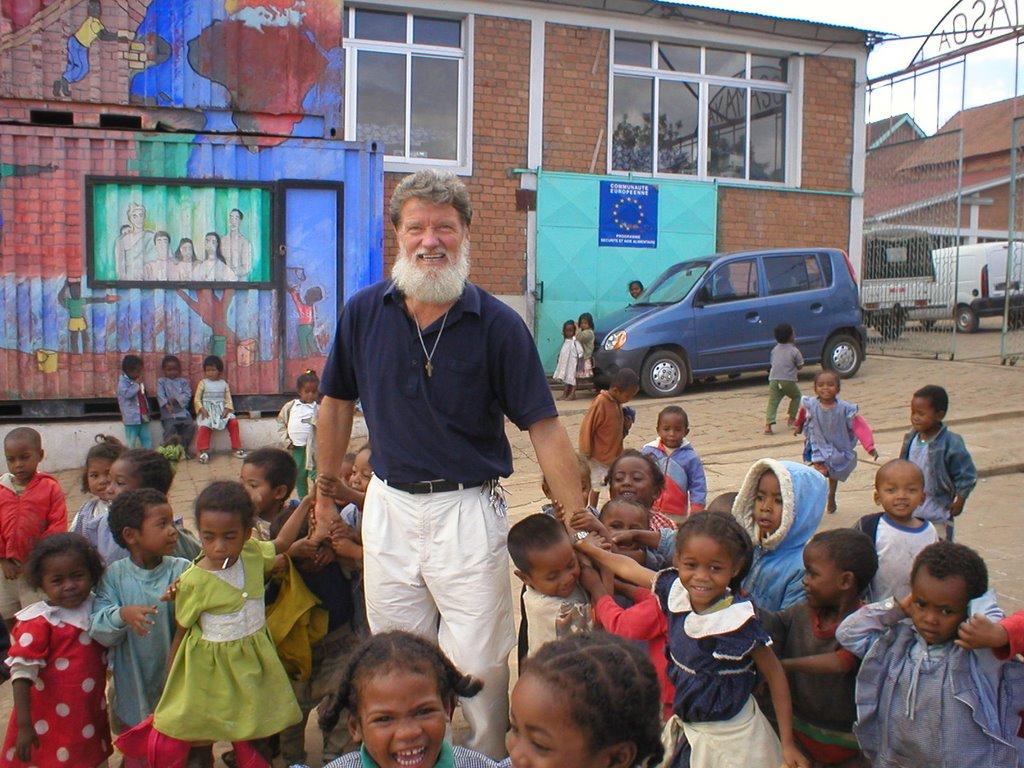 El Padre Opeka en Madagascar